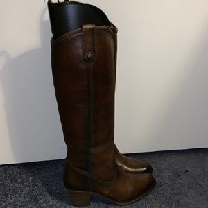 NWOB FRYE Dark Brown Molly Button Pull-on Boots